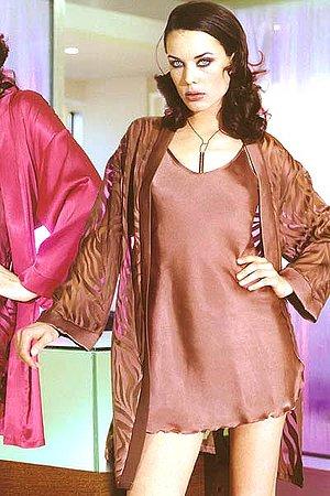 Полупрозрачный халатик и коротенькая сорочка Andra, Италия 1646_833 фото