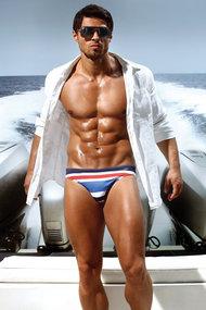 Men's swimming trunks slip