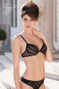 Set of underwear: bra push up and panties string
