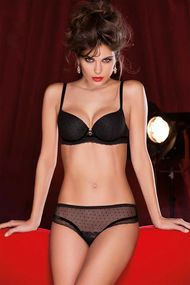 Set underwear: bra cup is sealed with a slip and panties
