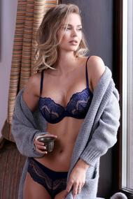 Set of underwear: bra push up and panties slip