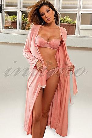 фото девушки без нижнего белья но в халате